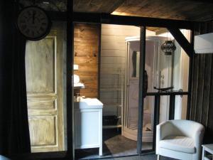 Les Troglos de Beaulieu, Bed and Breakfasts  Loches - big - 11