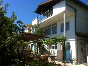 Bambook Bamboo Guest House