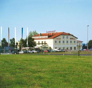 Landzeit Motor-Hotel St. Valentin
