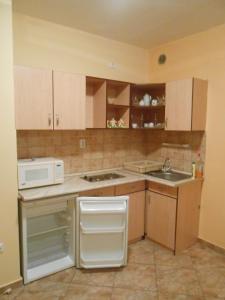 Mercédesz Apartman, Apartments  Gyula - big - 9