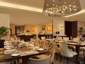 Joy~Nostalg Hotel & Suites Manila Managed by AccorHotels, Apartmanhotelek  Manila - big - 16