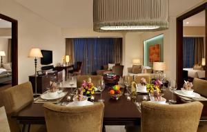 Joy~Nostalg Hotel & Suites Manila Managed by AccorHotels, Apartmanhotelek  Manila - big - 13