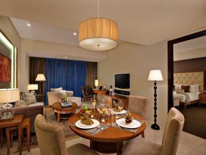 Joy~Nostalg Hotel & Suites Manila Managed by AccorHotels, Apartmanhotelek  Manila - big - 11