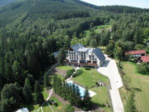 Beltine Forest Hotel