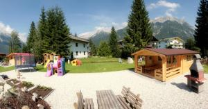 Ostbacher Stern, Ferienwohnungen  Leutasch - big - 49
