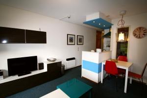 Appartement De Zeehond Amelander-Kaap, Апартаменты  Холлум - big - 16
