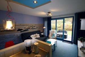 Appartement De Zeehond Amelander-Kaap, Апартаменты  Холлум - big - 18