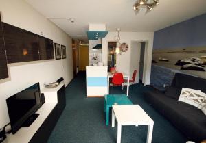 Appartement De Zeehond Amelander-Kaap, Апартаменты  Холлум - big - 20