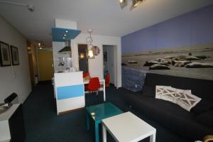 Appartement De Zeehond Amelander-Kaap, Апартаменты  Холлум - big - 2