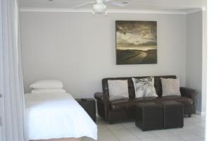 Bunkers Self Catering, Apartmány  East London - big - 8