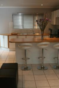 Bunkers Self Catering, Apartmány  East London - big - 7
