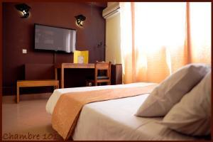 雷莱斯诺曼德酒店 (Hotel Le Relais Normand)