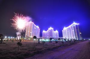 Azura Park Residence