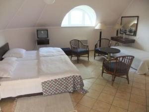 Castelinho Apartmanház, Ferienwohnungen  Gyenesdiás - big - 6