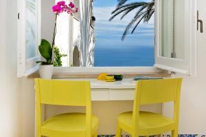 Suite Elegance Belvedere Capri Home Design, Отели типа «постель и завтрак»  Капри - big - 1