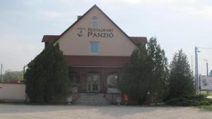 Anker Étterem és Panzió, Penzióny  Gönyů - big - 14