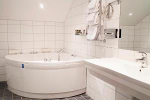 Hotel Skansen, Hotels  Färjestaden - big - 7