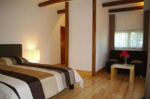 La Cascade de Hauterive, Bed and Breakfasts  Pinel-Hauterive - big - 8