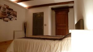La Cascade de Hauterive, Bed and Breakfasts  Pinel-Hauterive - big - 9