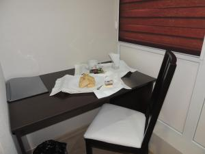 Review SKY-Hotel