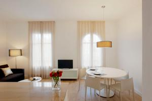 Barcelona Apartment Viladomat