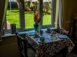 Ashe's B&B, Bed and Breakfasts  Dingle - big - 77