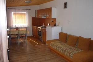 Penzion Tatry, Ferienwohnungen  Veľká Lomnica - big - 5