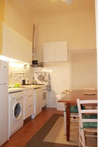 Appartamento Aprile, Ferienwohnungen  Florenz - big - 19