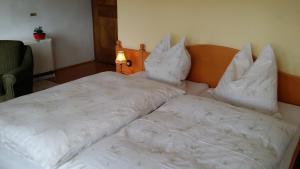 Kreuzhof, Bed and breakfasts  Seefeld in Tirol - big - 34