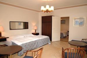 Castelinho Apartmanház, Ferienwohnungen  Gyenesdiás - big - 10