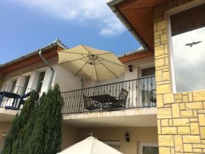 Balatonlelle Apartmanház, Appartamenti  Balatonlelle - big - 25