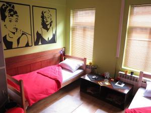 Traveler's Hostel & Apartments