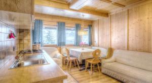 Appartamenti Pinei, Ferienwohnungen  St. Vigil - big - 3