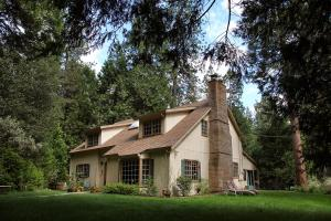 Highland House Bed and Breakfast - Accommodation - Mariposa