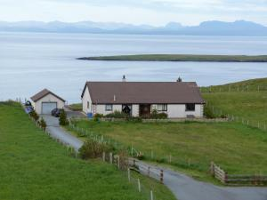 Gairloch View Bed & Breakfast - Accommodation - Staffin