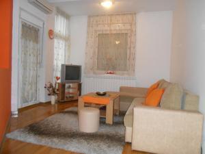 橙色公寓 (Apartment Orange)