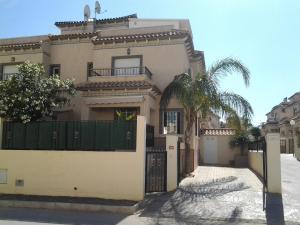Villa La Marina Costa Blanca, Dovolenkové domy  La Marina - big - 1