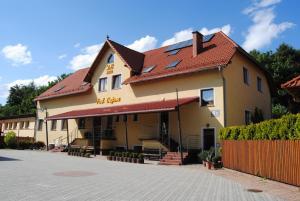 Motel DB2000