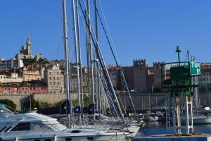 Le Gabian, Apartmány  Marseille - big - 8