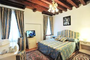 Furlani Apartments