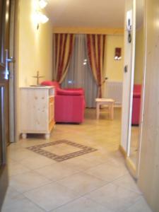 Casa Collini, Ferienwohnungen  Pinzolo - big - 16