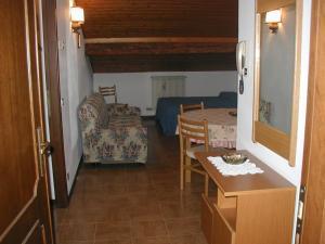 Casa Collini, Ferienwohnungen  Pinzolo - big - 96