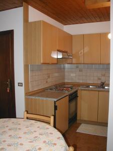Casa Collini, Ferienwohnungen  Pinzolo - big - 98