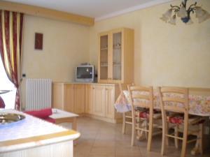 Casa Collini, Ferienwohnungen  Pinzolo - big - 29