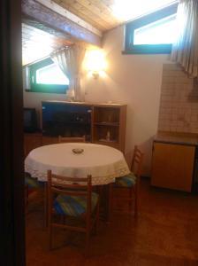 Casa Collini, Ferienwohnungen  Pinzolo - big - 32