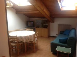 Casa Collini, Ferienwohnungen  Pinzolo - big - 33