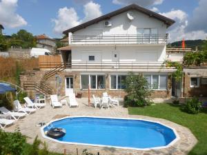 Nedyalkovi Guest House