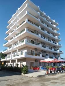 厄加尼公寓式酒店