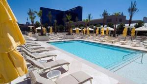 Jet Luxury @ The Signature Condo Hotel photos