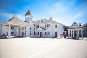 Osage Village Inn